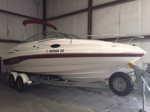 2004 Chaparral 215SSI Cuddy - Red