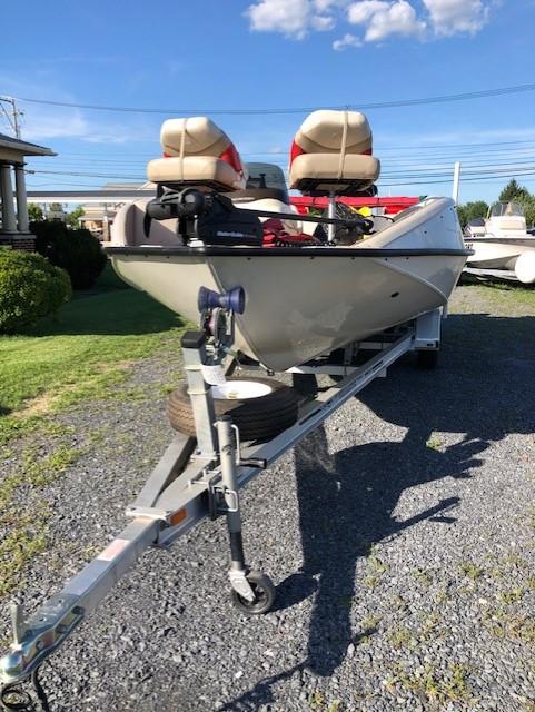 2005 Tracker Fishin Deck 21 30