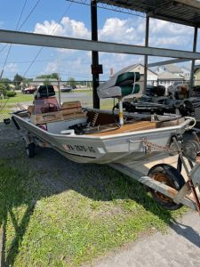 1983 Fisher 16' Bass Boat