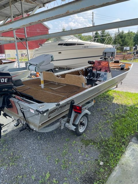 1983 Fisher 16' Bass Boat 12